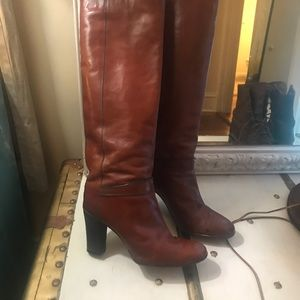 Loryc vintage pair of knee high boots